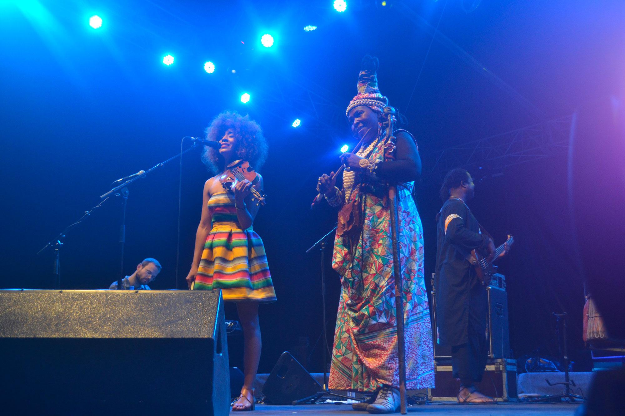 Wéré wéré et Yiliane Canizares sur la scène